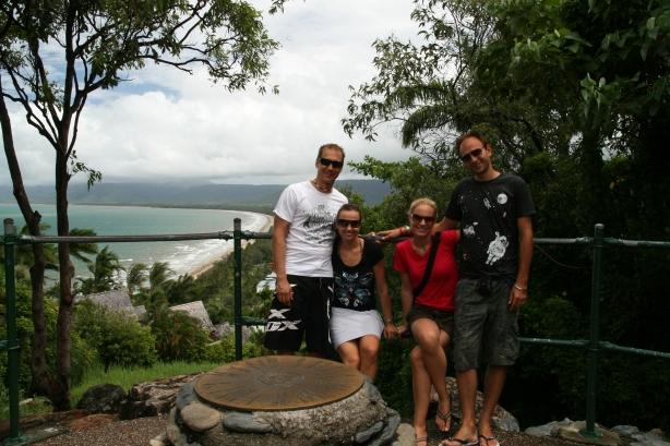 """z Karolą i Konradem """"Koalami"""" w Port Douglas."""