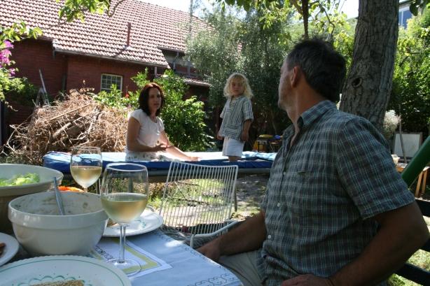 Kathy, Quincy i Jacek. Obiad pod figowcem.