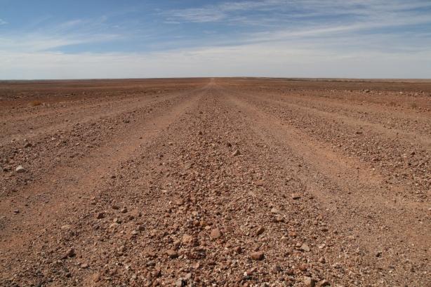 Tak wyglądają drogi wokół Cooper Pedy.