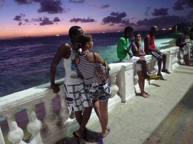 Przystanek autobusowy na Praia da Barra.