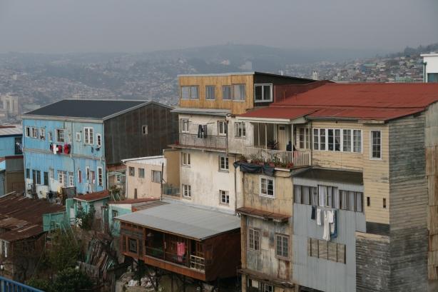 Górne dzielnice Valparaiso.
