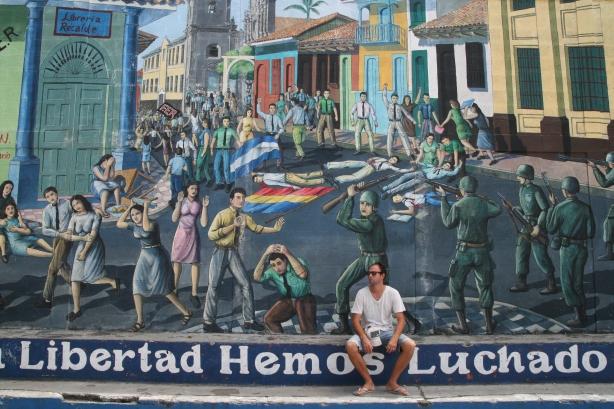 Murale upamiętniające Rewolucję.