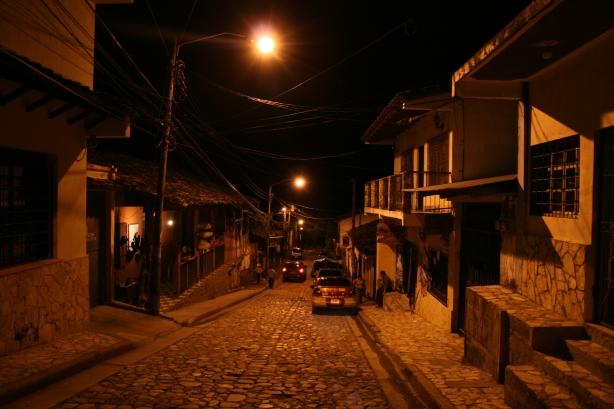 Miasteczko Copan Ruinas, oddalone 1,5 km od dawnego miasta Majów.