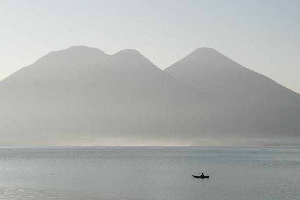 Jezioro Atitlán.