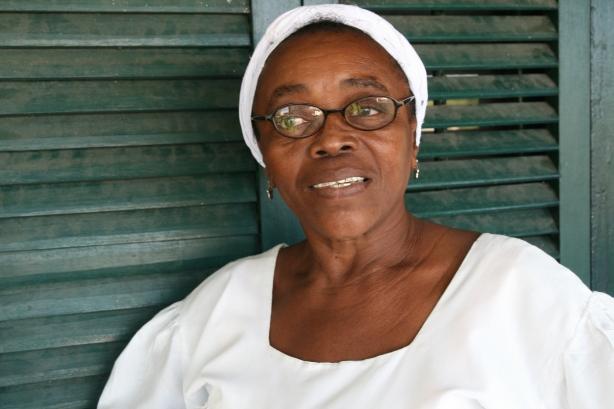 Garifuna people, mieszkańcy Livingston więcej mają wspólnego z mieszkańcami Corn Island w Nikaragui niż z Gwatemalczykami.